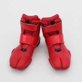 fashion tabi red