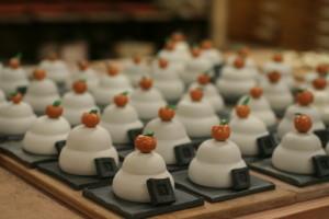 many rounded rice cake