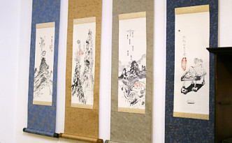 top_many hanging scroll